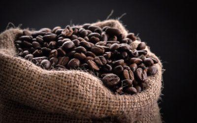 Die besten Kaffeekocher und Kaffeemühlen für Reisen und Outdoor Abenteuer