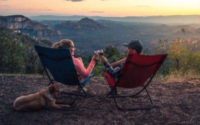 Die besten Outdoor Stühle, Tische und Betten für Roadtrip und Camping Abenteuer